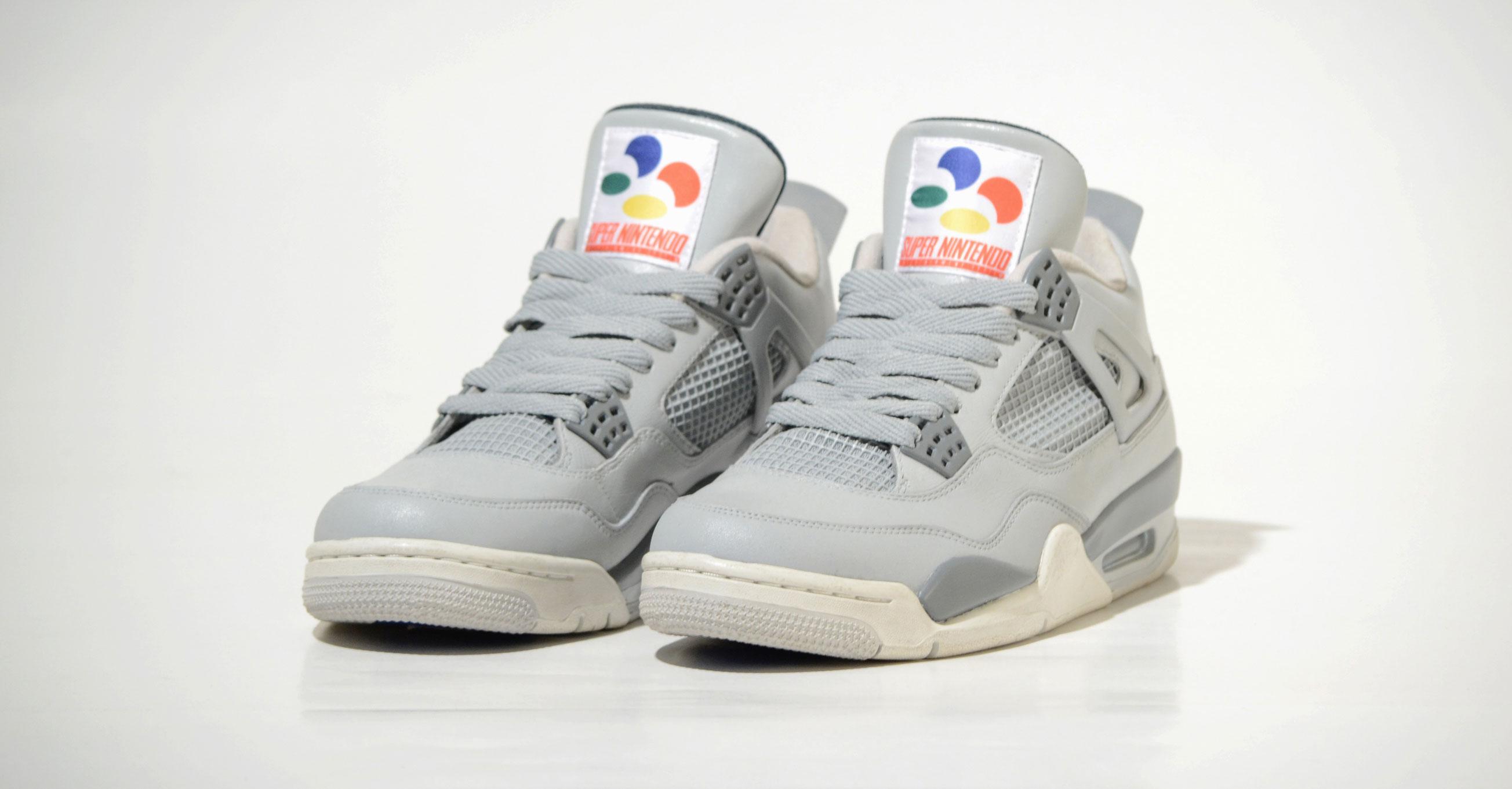 Air Jordan 4 SNES edition